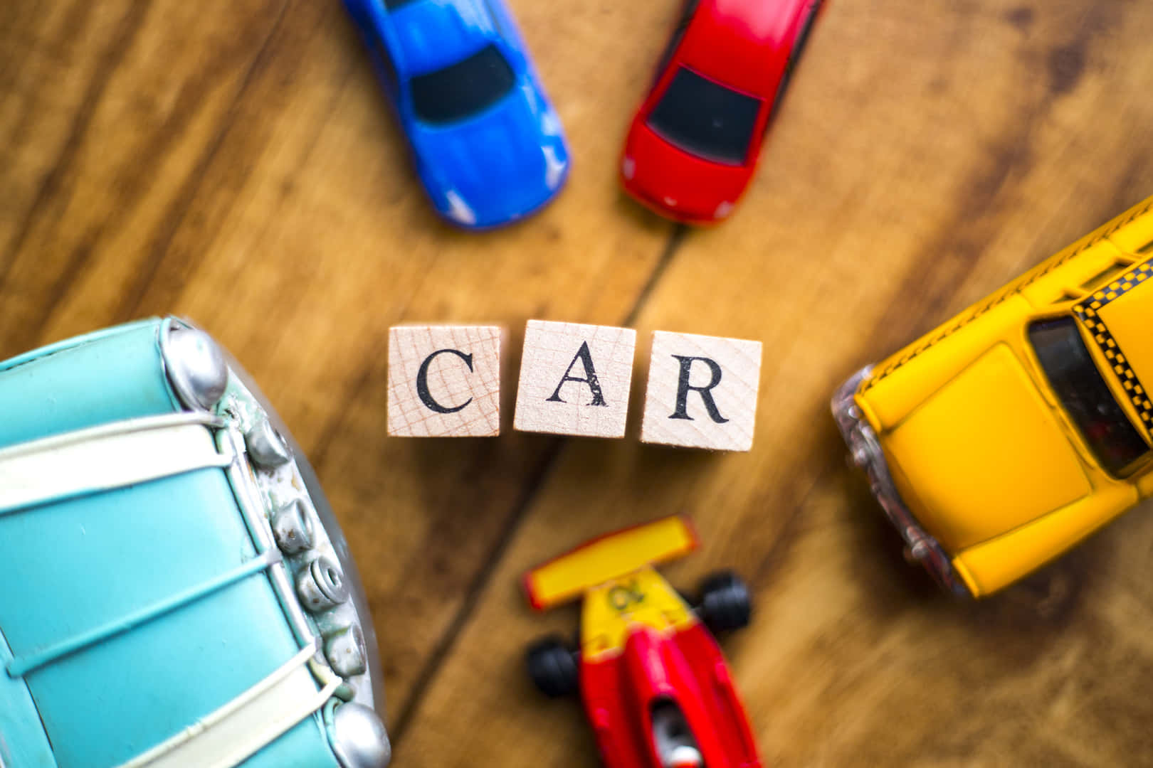車にかかる維持費を節約する方法は?