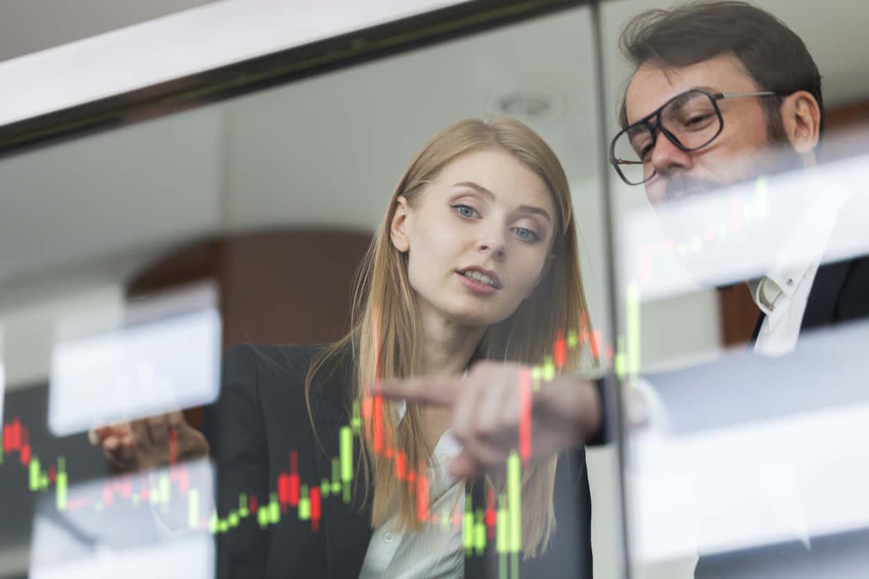 株や証券取引所の仕組みを説明!買い方、値動き、株主配当もチェック。