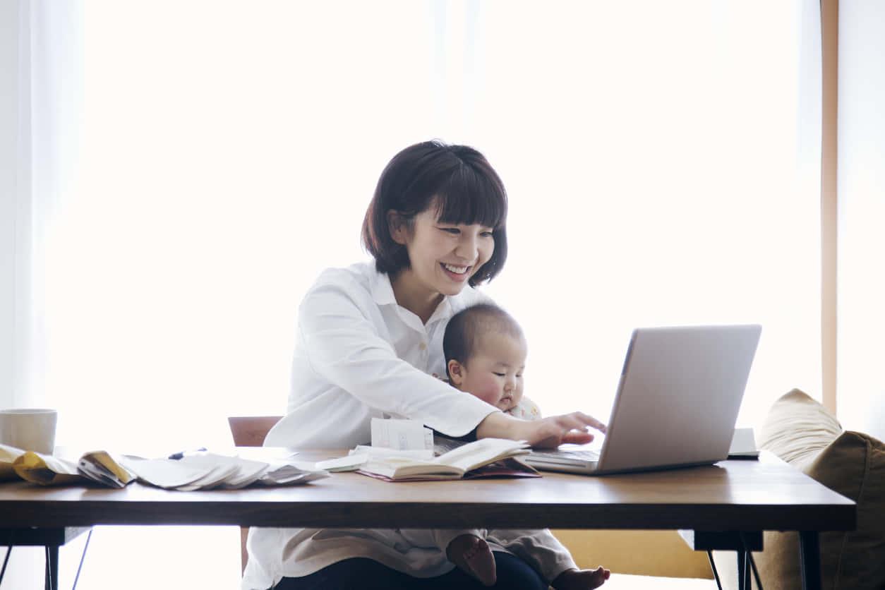 日本人の生活費ってどれくらいが平均なの?家計簿をつけて収入と出費を管理しよう。